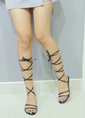 รองเท้าส้นแบน แบบผูกเชือกไขว้ - Rainy