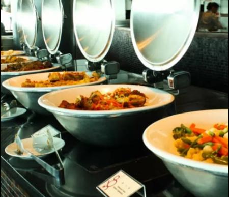 ลดราคา Klook : บุฟเฟ่ต์มื้อกลางวัน+ชมวิวที่ Macau tower