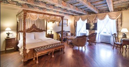 โรงแรม Iron Gate Hotel & Suites Prague, ปราก