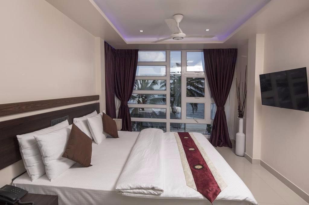 White Harp Beach Inn, Male International Airport, Maldives (ไวท์ ฮาร์ป บีช อินน์, สนามบินนานาชาติมาเล, มัลดีฟส์)