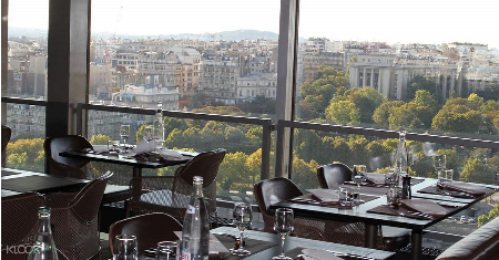 Klook ดีล : ทานอาหารค่ำที่หอไอเฟล (Eiffel Tower) | ปารีส