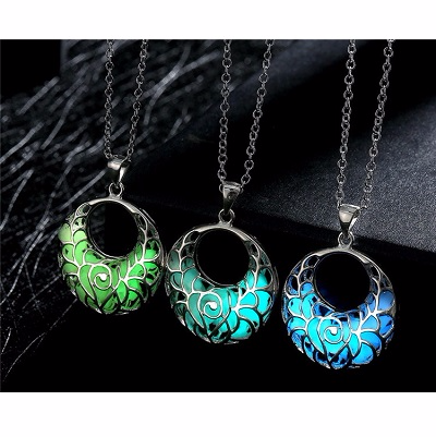 Neclace Hollow Out Heart Pendant Glow In Dark Picture